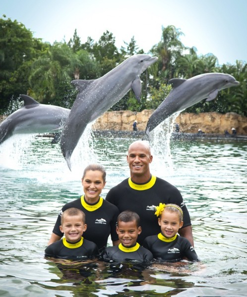 SeaWorld Orlando's Discovery Cove and Jason Taylor